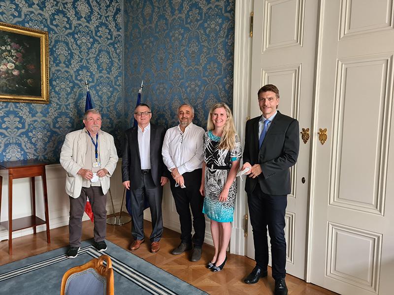 Dne 23.6.2021 proběhlo jednání zástupců OOA-S a OAZA s ministrem kultury L. Zaorálkem